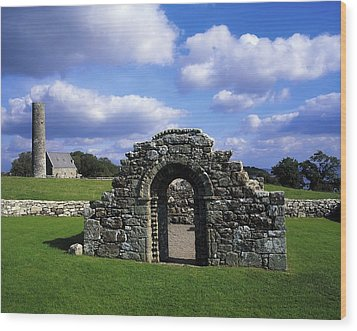 St Brigids Church, Inis Cealtra Holy Wood Print by The Irish Image Collection