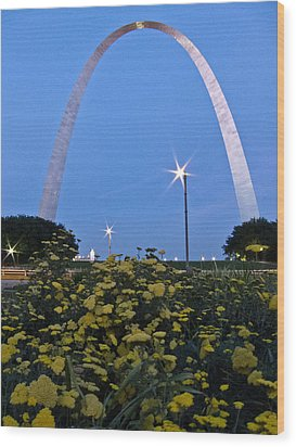 Wood Print featuring the photograph St Louis Arch With Twinkles by Nancy De Flon