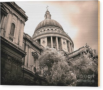 St. Paul's Cathedral Wood Print by Thanh Tran