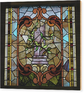Stained Glass Lc 12 Wood Print by Thomas Woolworth