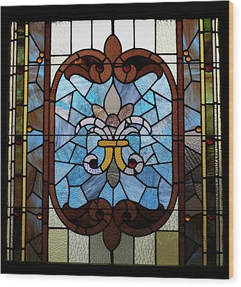 Stained Glass Lc 19 Wood Print by Thomas Woolworth