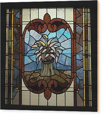 Stained Glass Lc 20 Wood Print by Thomas Woolworth
