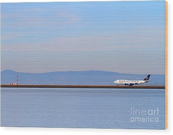 Star Alliance Airlines Jet Airplane At San Francisco International Airport Sfo . 7d12208 Wood Print by Wingsdomain Art and Photography