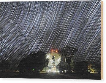 Star Trails Over Parkes Observatory Wood Print by Alex Cherney, Terrastro.com