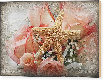 Starfish And Pink Roses Wood Print by Andee Design