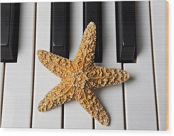 Starfish Piano Wood Print by Garry Gay