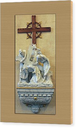 Station Of The Cross 03 Wood Print by Thomas Woolworth