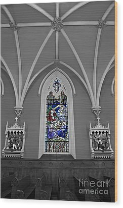 Stations Of The Cross Wood Print by Susan Candelario