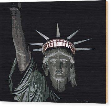 Statue Of Liberty Poster Wood Print by David Pringle