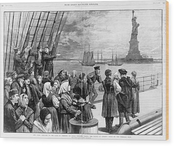 Statue Of Liberty. Welcome To The Land Wood Print by Everett