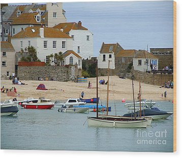 St.ives Harbour Wood Print by Anne Gordon
