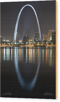 St.louis Arch Reflection Wood Print by Shane Psaltis