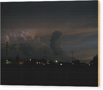 Storm's Brewing Wood Print by Tracy Eaker-Vann