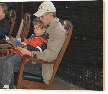 Wood Print featuring the photograph Story Time by Darleen Stry