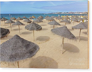 Straw Sunshades Wood Print by Carlos Caetano