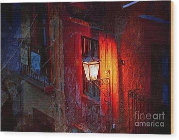 Street Light On Calle Quebrada Wood Print