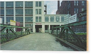 Studios For Rent Wood Print by Jan W Faul