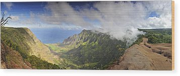 Stunning Panorama Of The Napali Coast In Kauaii Wood Print by Sebastien Coursol
