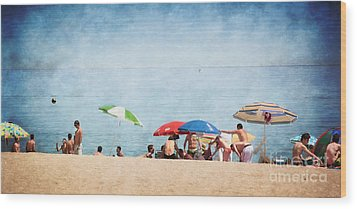 Summer By The Sea Wood Print by Mary Machare