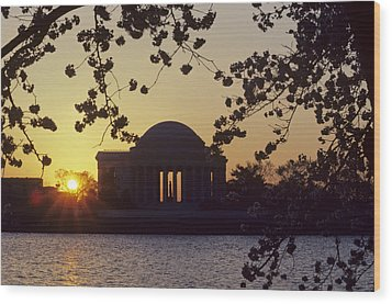 Sun Setting Over The Jefferson Memorial Wood Print by Kenneth Garrett