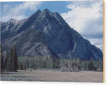 Sundance Lodge On The Kootenay Plains Wood Print by Jim Sauchyn
