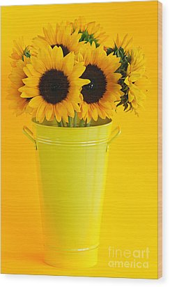 Sunflowers In Vase Wood Print by Elena Elisseeva