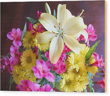 Sunny Bouquet Wood Print by Connie Fox