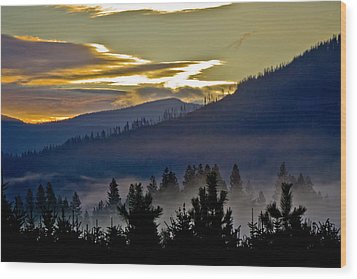 Wood Print featuring the photograph Sunrise And Valley Fog by Albert Seger