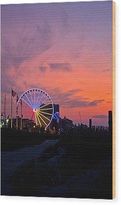 Sunrise Ferris Wheel Wood Print