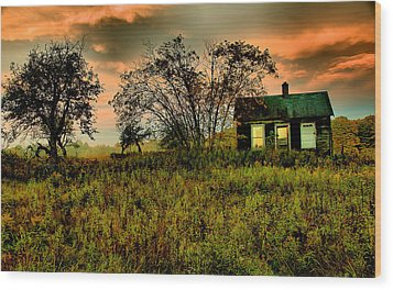 Sunrise On The Prairie Wood Print by Matthew Winn