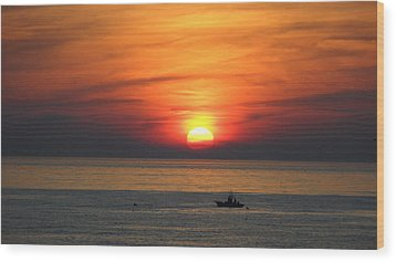 Wood Print featuring the photograph Sunrise Over Gyeng-po Sea by Kume Bryant