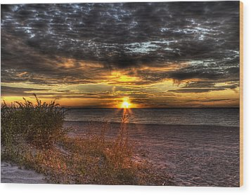 Sunrise Over New York Bay Wood Print