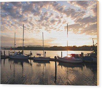 Sunrise Sailboats On Coos Bay Wood Print by Gary Rifkin