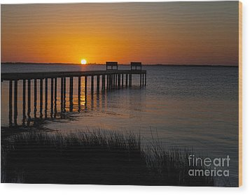 Sunset Across Currituck Sound Wood Print by Ronald Lutz