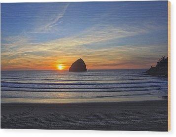 Sunset At Cape Kiwanda Oregon Wood Print