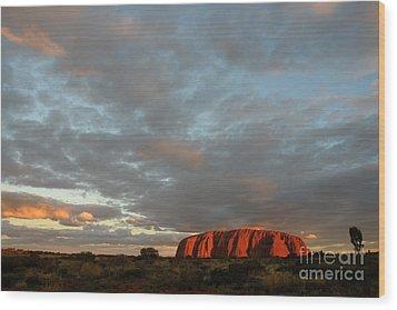 Sunset At Uluru Wood Print by Vivian Christopher