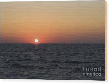 Wood Print featuring the photograph Sunset by Leslie Leda