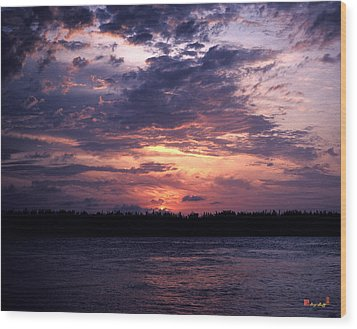 Wood Print featuring the photograph Sunset Off Mallory Square 14s by Gerry Gantt