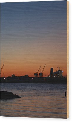 Sunset On The Detroit River 2 Wood Print