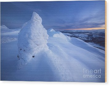 Sunset On The Summit Toviktinden Wood Print by Arild Heitmann
