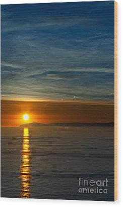 Sunset Over Catalina Wood Print by Sonny Marcyan