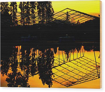 Wood Print featuring the photograph Sunset Over Lake Coeur D Alene Docks by Cindy Wright