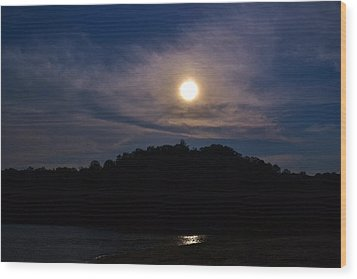 Sunset Over Lake Lanier Ga Wood Print by Marc Mesa