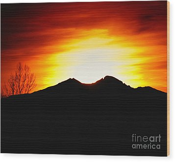 Sunset Over Longs Peak Wood Print by Harry Strharsky