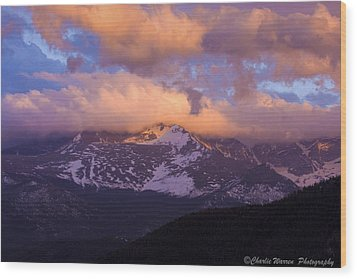 Sunset Over The Rockies Wood Print by Charles Warren