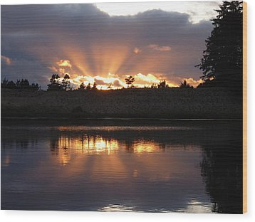 Wood Print featuring the photograph Sunset Rays Bursting Over Lake Bradley by Cindy Wright