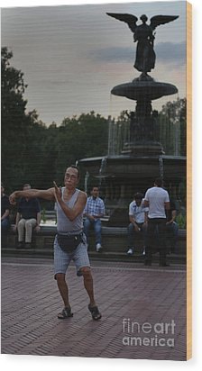 Tai Chi In The Park Wood Print by Lee Dos Santos