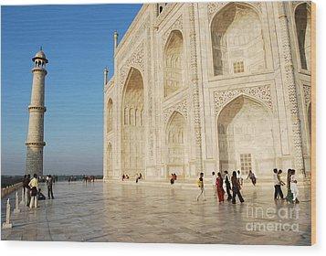 Taj Mahal Wood Print by Jen Bodendorfer