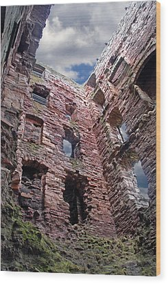 Wood Print featuring the photograph Tantallon Castle by Rod Jones