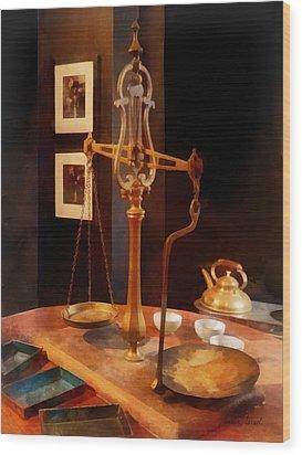 Tea Scale Wood Print by Susan Savad